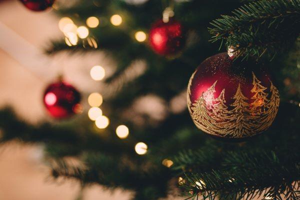 Karácsonyi molett alkalmi ruha – Csillogj te is az ünnepen!
